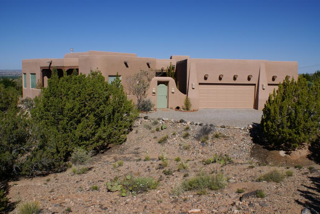 16 Desert Mountain Road